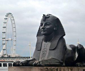Cleopatra's-Needle-3