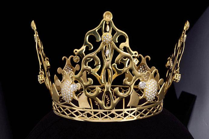 Victoria-Beckham-Wedding-Crown