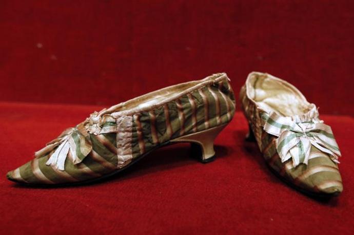 Queen-Marie-Antoinette-shoes