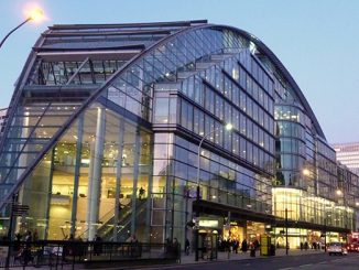 Victoria_Street_and_Cardinal_Place