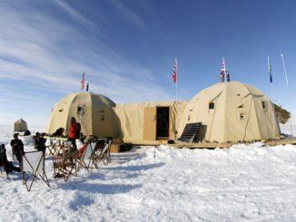 Antarctica-Mantis-Collection-camp-feat