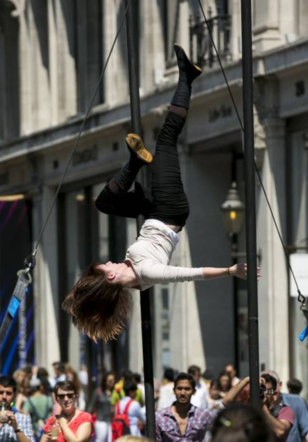 circus-space-girl-regent-st