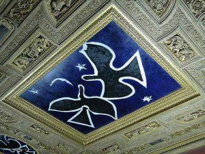 Роспись Ансельма Кифера и Жоржа Брака на потолке Зала Анри II в Лувре.