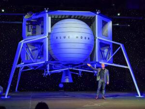 Джефф Безос отправляется в космос
