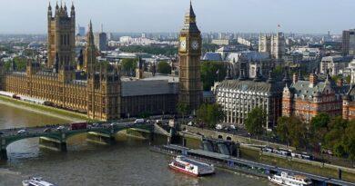 Снятие карантинных ограничений в Британии