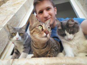 Ноам и его кошки / Noam Oxman