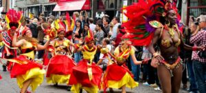 Ноттинг-Хиллский карнавал шествие