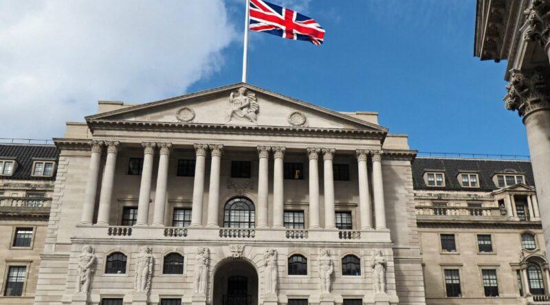 Банк Англии предсказывает, что инфляция достигнет пика в 4% этой зимой