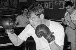 Жан-Поль Бельмондо бокс