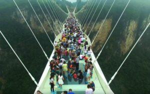 стеклянный мост «Добро пожаловать в ад»