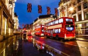«Ночная культурная экономика» Британии потеряла более 86 000 рабочих мест